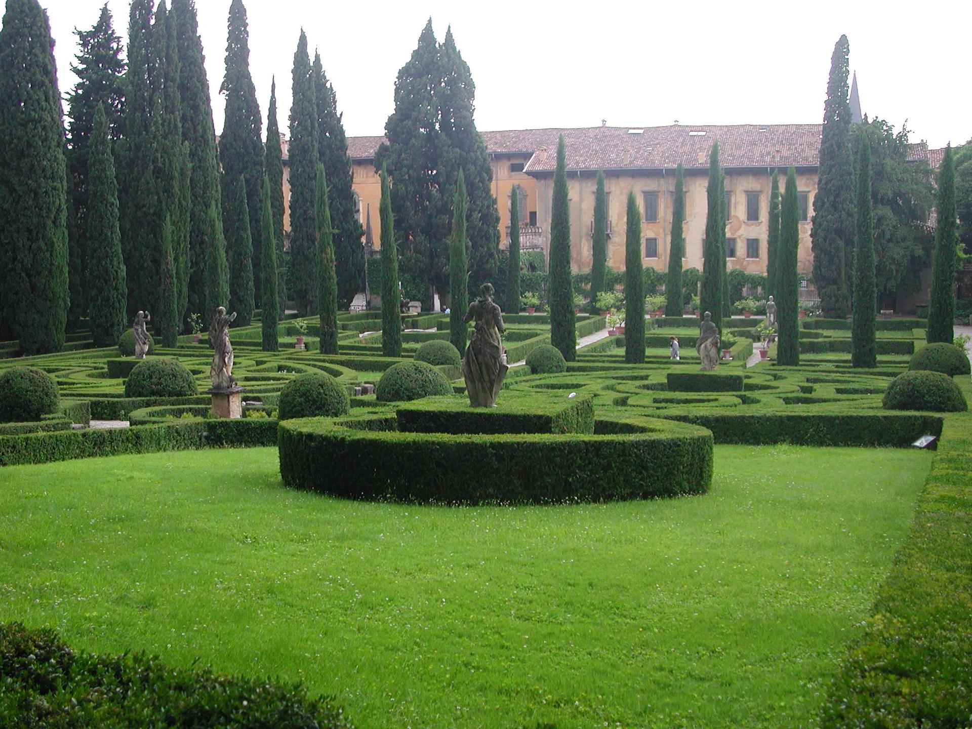 Guisti Gardens. Beautiful gardens in Verona Italy