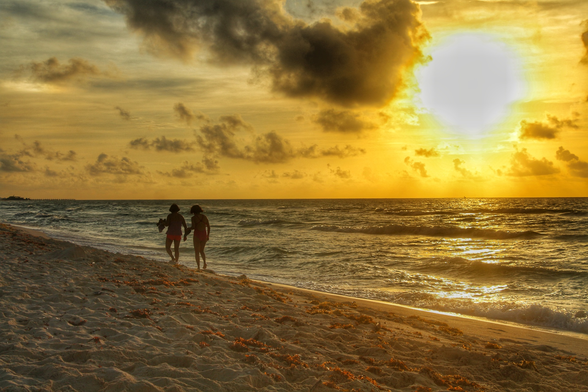 single men in sunrise beach The mexican beach resort areas of cancun and los cabos have long been notorious  come and feel the warmth of mexico  the perfect place for singles to.