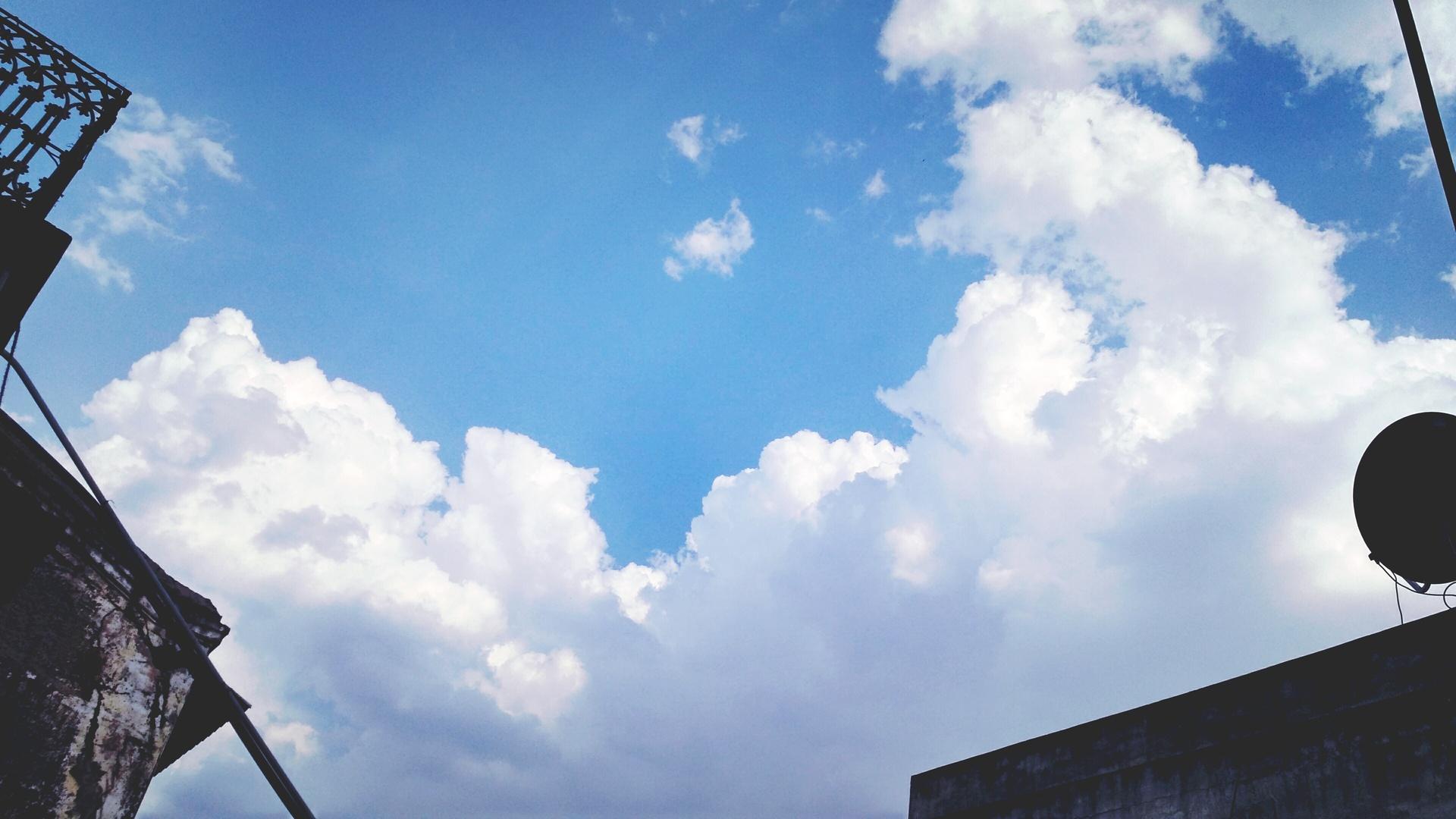 Clean Cloudy | yashgupta1, architecture, blue sky, cloud