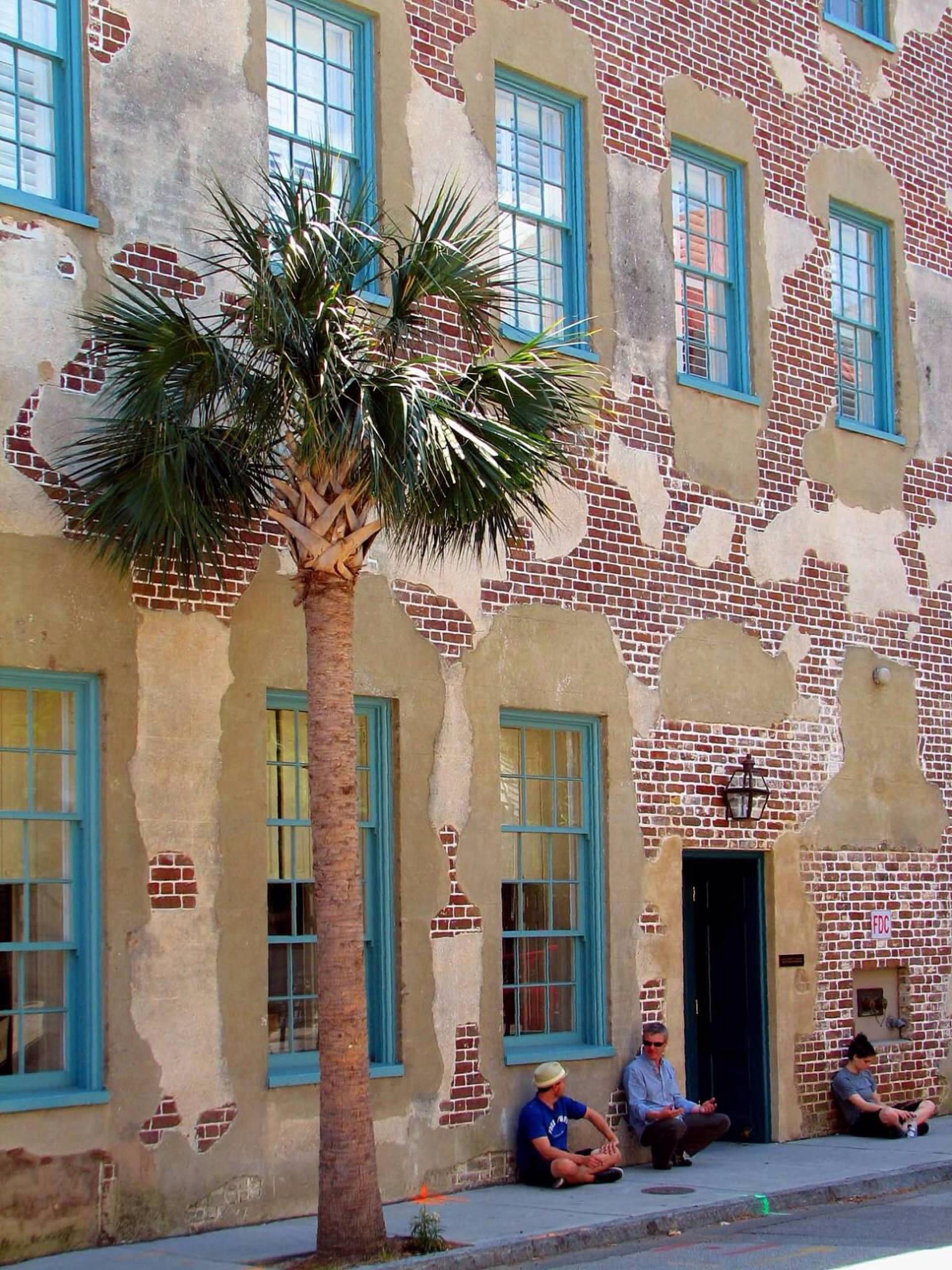 Savannah building | tahitifred, road, stone, street